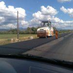 Investiție de 6,5 milioane de lei în asfaltarea celor cinci kilometri de drum județean dintre Vinerea și Săliștea