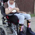 Donaţie din partea unor pensionari de aproape 800 de lei pentru Mateo, copilul de 8 ani, din Cugir, grav bolnav