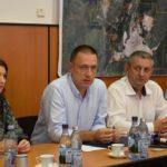 """Mihai Fifor, Ministrul Economiei: """"Orașul Cugir are un loc important în dotarea Armatei Române cu tehnică militară"""""""