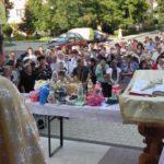"""Circa 400 de credincioși ortodocși au participat la Sfânta Liturghie oficiată de sărbătoarea Sfintei Marii, la Biserica """"Adormirea Maicii Domnului"""" din Cugir"""