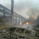 Poluare masivă pe Râul Mureş în urma incendiului care a distrus fabrica de uleiuri esenţiale din Orăştie