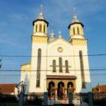 """Credincioșii ortodocși din Vinerea au celebrat 60 de ani de la sfințirea Bisericii """"Sf. Ierarh Nicolae"""""""