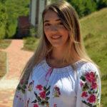 """Cugireanca Denisa Trif, elevă a Colegiului Național """"David Prodan"""", a primit PATRU de """"DA"""" la emisiunea X Factor de la Antena 1"""