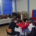 """Sesiune de comunicări, expoziție de carte și piesă de teatru, la Colegiul Național """"David Prodan"""" din Cugir, cu prilejul Zilei Naționale a României"""
