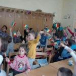 """Manifestare dedicată Zilei Naționale a României organizată de elevii și dascălii de la Școala Gimnazială """"Singidava"""" din Cugir"""