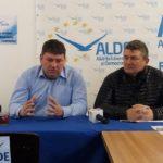 """Dacian Herlea, consilier local ALDE: """"Începând din 2007 investițiile au stat pe loc la Șibot. Suntem singura comună fără canalizare din județul Alba"""""""