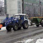 Autoritățile din Cugir s-au mobilizat încă de ieri, începând cu ora 14.00 și în cursul nopții, pentru deszăpezirea principalelor artere din oraș și a drumului către Șibot