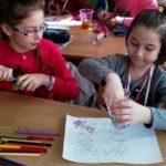"""Preșcolarii de la Grădinițele """"Prichindel"""" și """"Voinicel"""" au putut experimenta viața de elev, în cadrul programului lansat de Școala Gimnazială """"Singidava"""" din Cugir"""