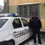 Un agent de poliție din județul Hunedoara a salvat viața a doi minori scoțându-i la timp dintr-o casă în flăcări