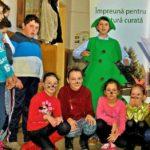 """Acțiune a elevilor de la Școala """"Ioan Mihu"""" din Vinerea și a Asociației pentru ecologie și turism """"Năsâpiște"""" din Cugir, pentru o natură curată"""