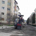 Mai multe străzi din Cugir sub asaltul reparaţiilor de primăvară