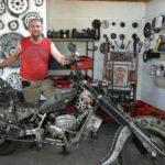 Un tânăr originar din Cugir creează opere de artă din piese uzate de mașină