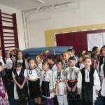 """Manifestare dedicată zilei de 1 Decembrie, la Şcoala """"Singidava"""" din Cugir"""