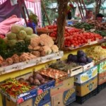 """Piaţa """"Complex"""" din Cugir a rămas aproape goală"""